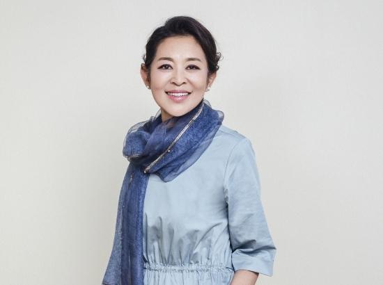 60岁倪萍新写真曝光