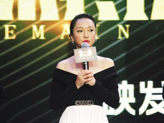"""周迅自曝""""最怕犯鼻炎"""",粤语演出再度受到好评"""